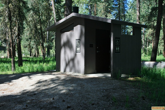 A picture of the vault style outhouse in Abbot Campground