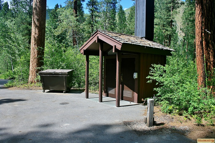 This is a typical vault style outhouse in Baumgartner Campground.