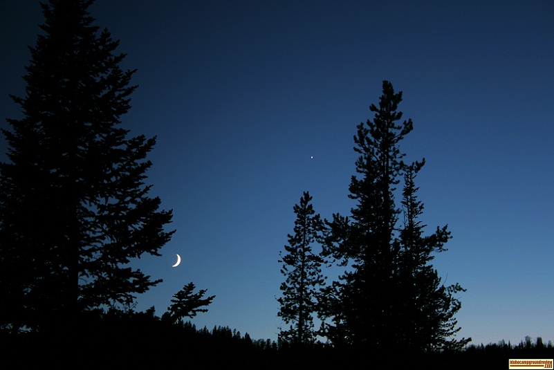 This a picture of the night sky from Bayhorse Lake Campground with the moon and Venus.