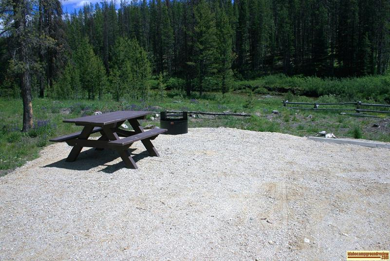 Typical Tent / RV camping site in Beaver Creek Campground