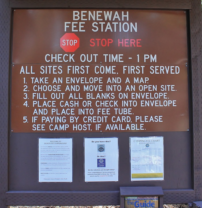 Benewah Campground signs and info