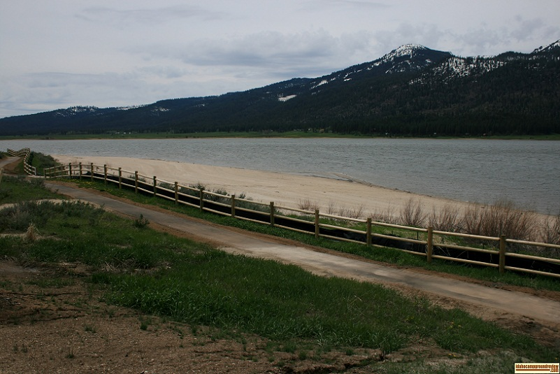 The beach at Big Sage Campground, part of Lake Cascade State Park.