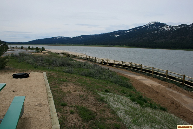 There is a path along the lake in Big Sage Campground.