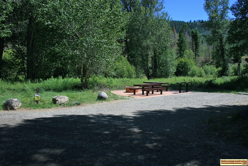 This is a typical RV camping site in Boundary Campground