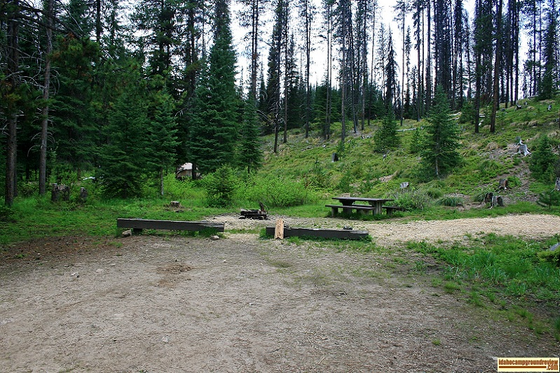 This is a picture of a typical tent / RV camping site in Bridge Creek Campground.