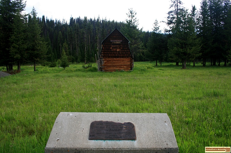 Here is a pioneer cabin near Bridge Creek Campground, there were several whitetail deer on it.