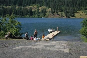 the boat dock and ramp at canyon creek recreationsite on dworshak reservoir