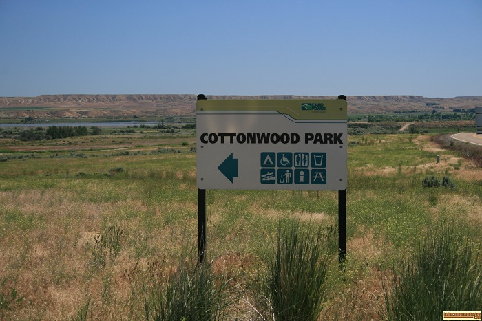 Look for this sign along the highway for the road to Cottonwood Park on CJ Strike Reservoir.