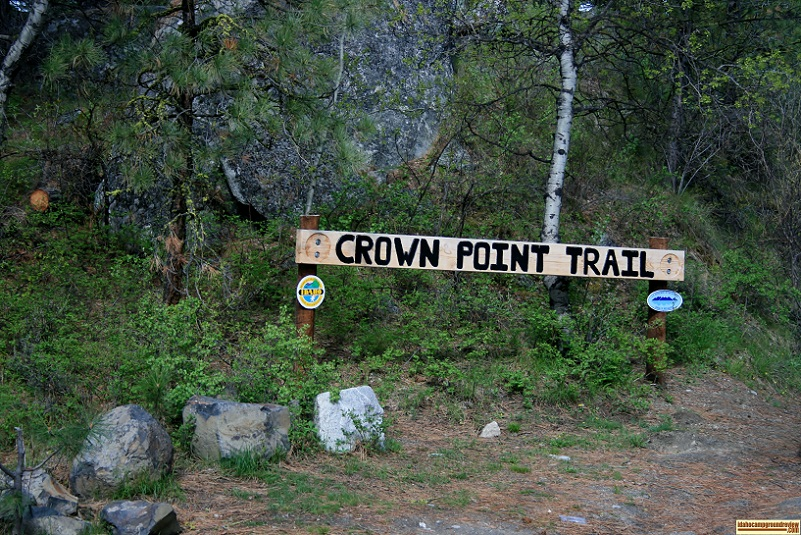 Crown Point Trail at Crown Point Campground is about 2.5 miles long.