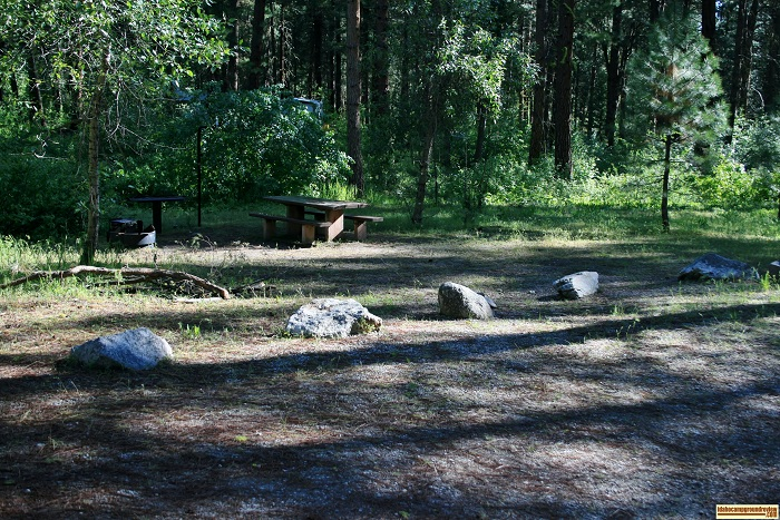 Dog Creek Campground campsites, for those who love camping in Idaho.