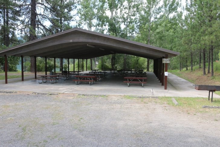There is a large group shelter with barbeque grills, electricity and water. It is situated next to the beach and a nice day-use area with access to the lake.