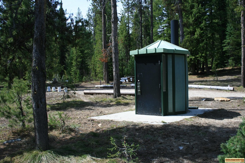 picture of outhouse in edna creek campground