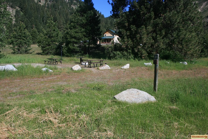Elks Flat Campground Review, campsite 32