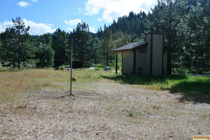 Elks Flat Campground Review, tetherball