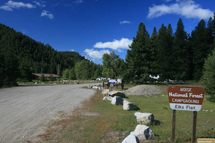 Elks Flat Campground Review, entrance
