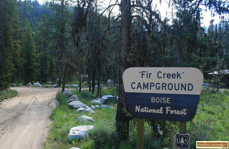 View at the entrance to Fir Creek Campground on the Salmon River