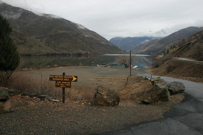 picture of boat docks and ramp at hells canyon park campground