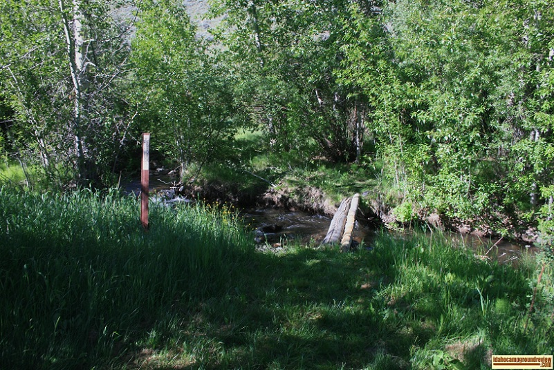 There is a trail from the camp site up to the Herd Lake along Herd Creek which requires that you cross the log bridge.