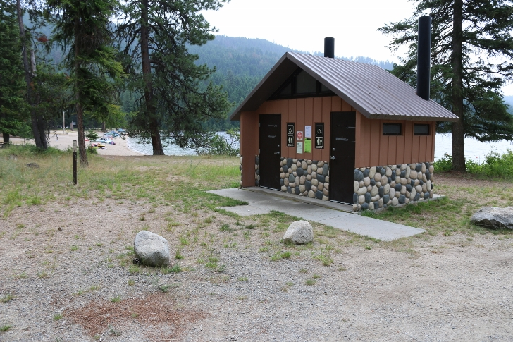 The picnic area has a vault style outhouse but you can take a short walk to a restroom  in the campground if you would rather have flushing toilets.