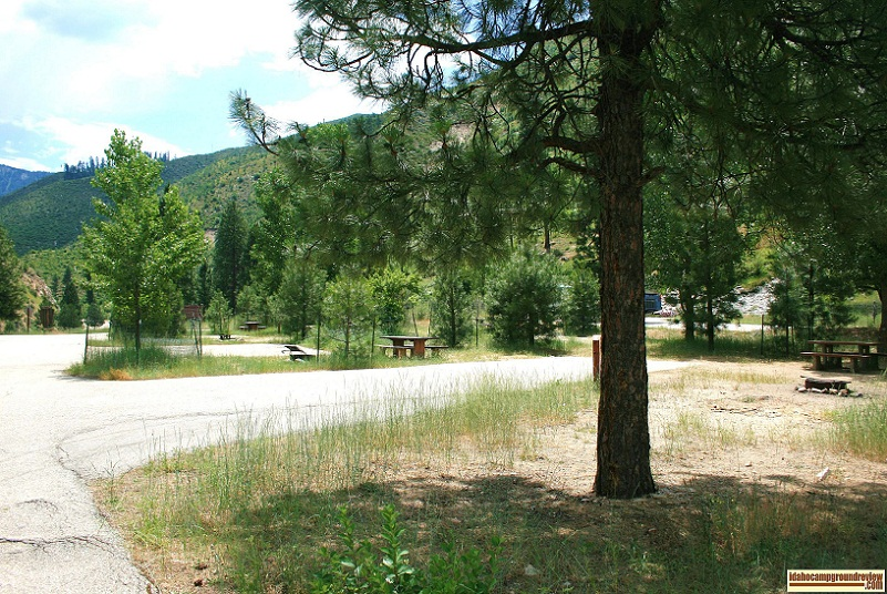 Kirkham Campground and hot springs on the South Fork of the Payette River.