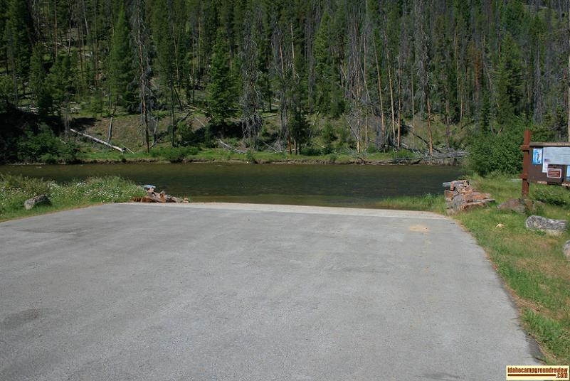 Picture of the boat ramp at Mormon Bend Campground.