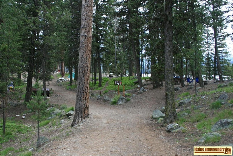 picnic point campground is a walk-in tent only camping area