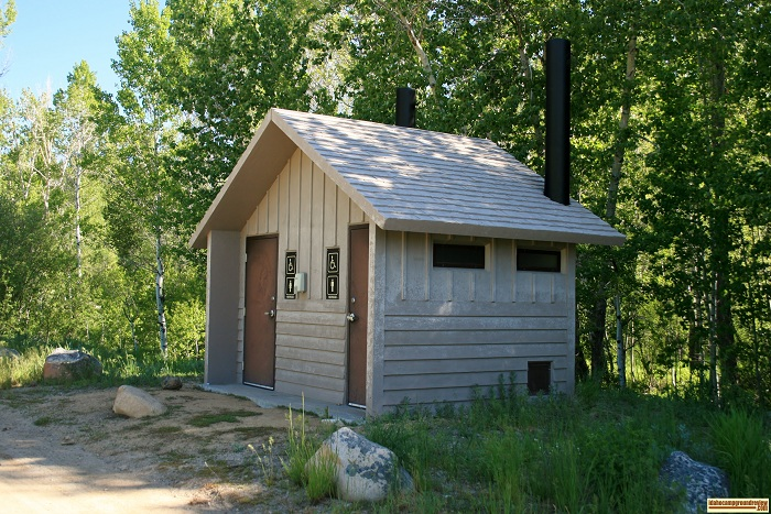 The outhouse at Pioneer Campground.