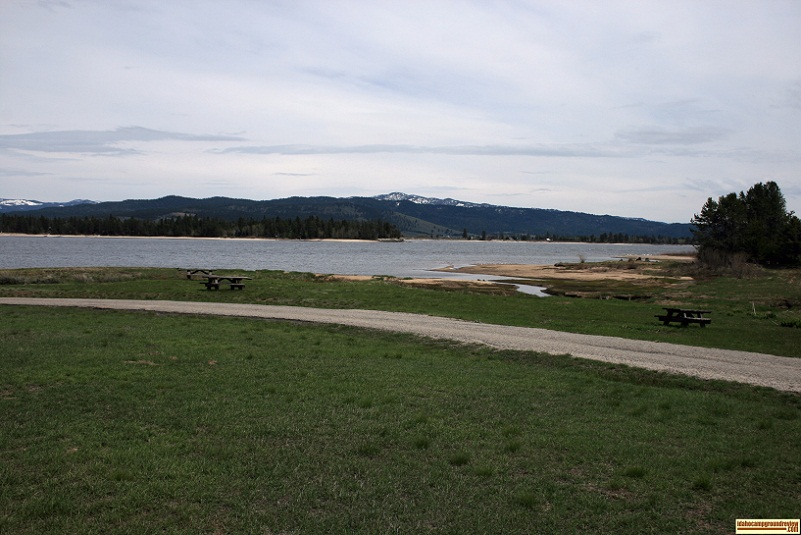 a picnic area at the boat ramp in poison creek campground.