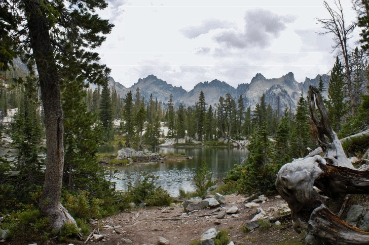 Hiking to Alice Lake in the Sawtooth Mountains of Idaho.