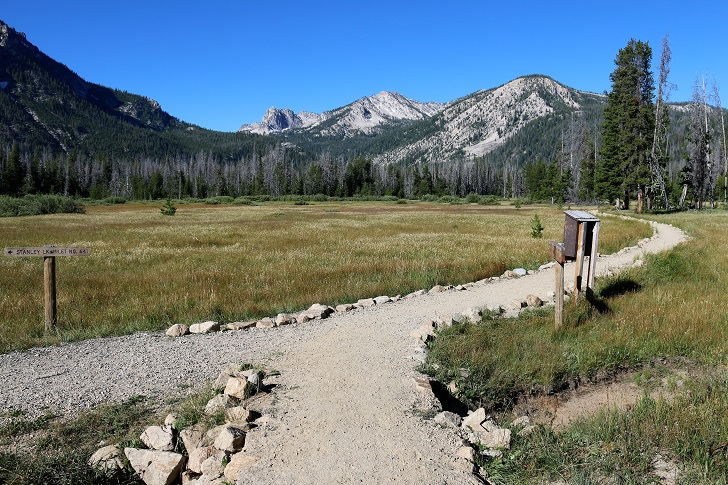 The junction with the Idaho Centennial Trail.