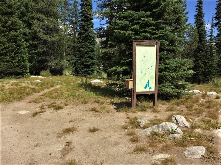 A picture of the trailhead at Hard Creek Campground.