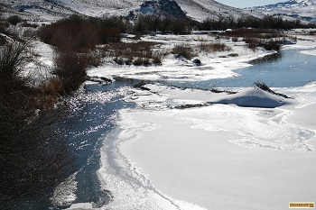 free picture of partially frozen creek near jordan valley oregon